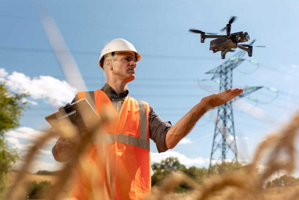 Parrot unveils drone for first responders, enterprise